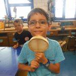16_6-in-der-musikinstrumende-werkstatt-entstehen-rasseln-trommeln-und-floeten
