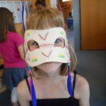21_4-aus-perlen-und-federn-entstanden-tolle-masken